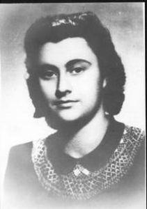 Лида Зубчинская. Примерно 1951 г. Фото из личного архива Е.И.Рерих (Архив МЦР «Фамильный фонд семьи Рерихов». Фонд №1. Оп. 6 Фотографии, ед. хр. 997)