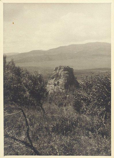 Фотография из Маньчжурской экспедиции Николая Рериха. 1934. 17×12,5 см. Лот 11