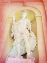 Statue salle des Etats Dijon