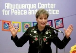 Gail Rubin, CT, speaking at the Albuquerque Unitarian Universalist Fellowship