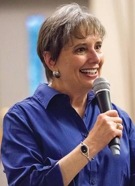 Gail Rubin speaking, photo by Pete Vidal.