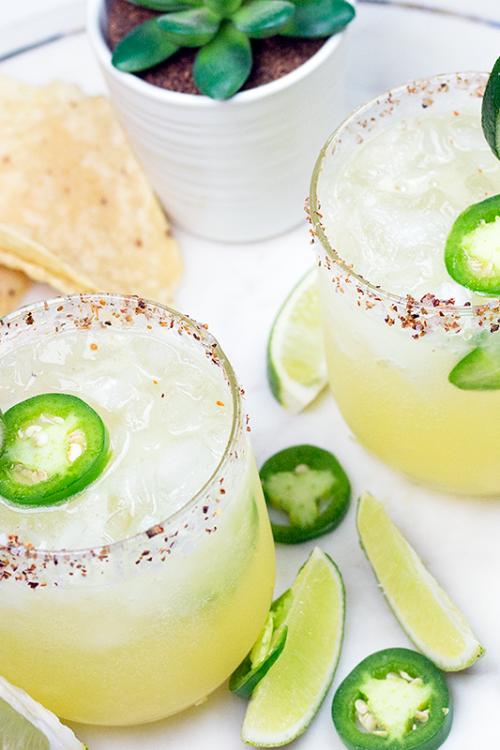 Spicy Fizzy Skinny Margarita for Cinco de Mayo