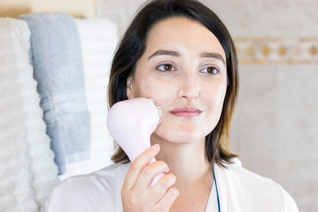 Summer Skincare Routine with Clarisonic Mia | A Good Hue