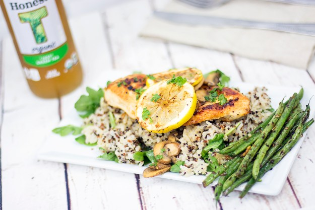 Recipe File: Healthy Organic Chicken with Lemon Mushroom Sauce and Honest Tea | A Good Hue