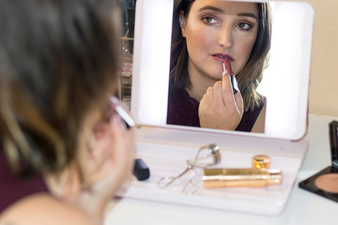 Get a Flawless Look with The JOI Spotlite HD Makeup Mirror | A Good Hue