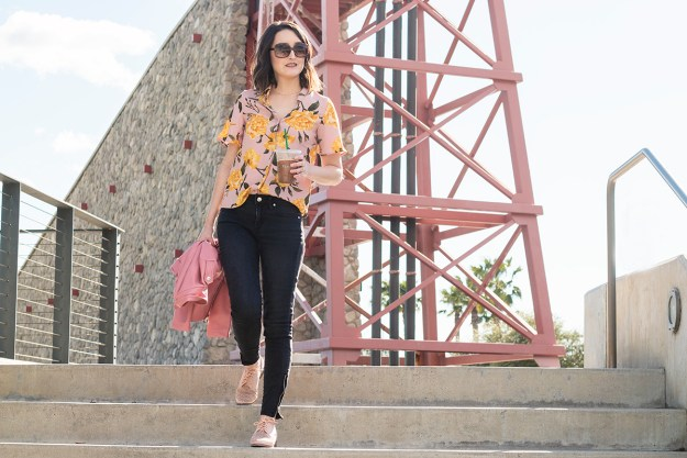 Outfit: Floral Flutter Sleeve Blouse | A Good Hue