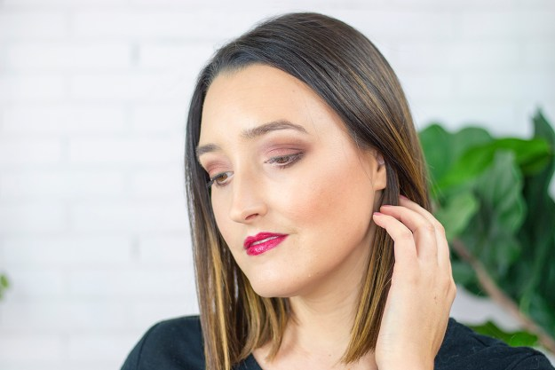 Tropical Makeup Look with Bare Minerals | A Good Hue