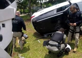 Os pneus do Hyundai Creta estouraram e o veículo capotou. Foto: Divulgação/PRF