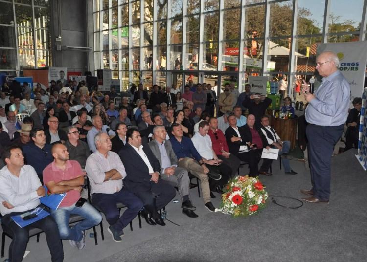 Presidente esteve presente à 42º Expointer, a convite da Famurs. Foto: Leonardo Bortolotto/Divulgação
