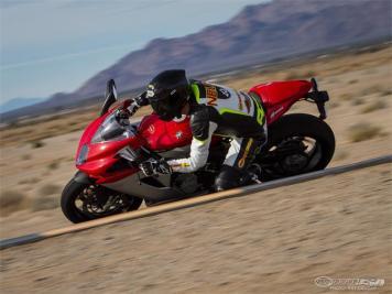 MV Agusta f3 800 melhor SuperSport 2014-6