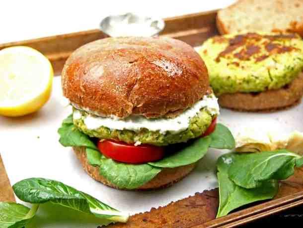 Spinach and Artichoke Bean Burger