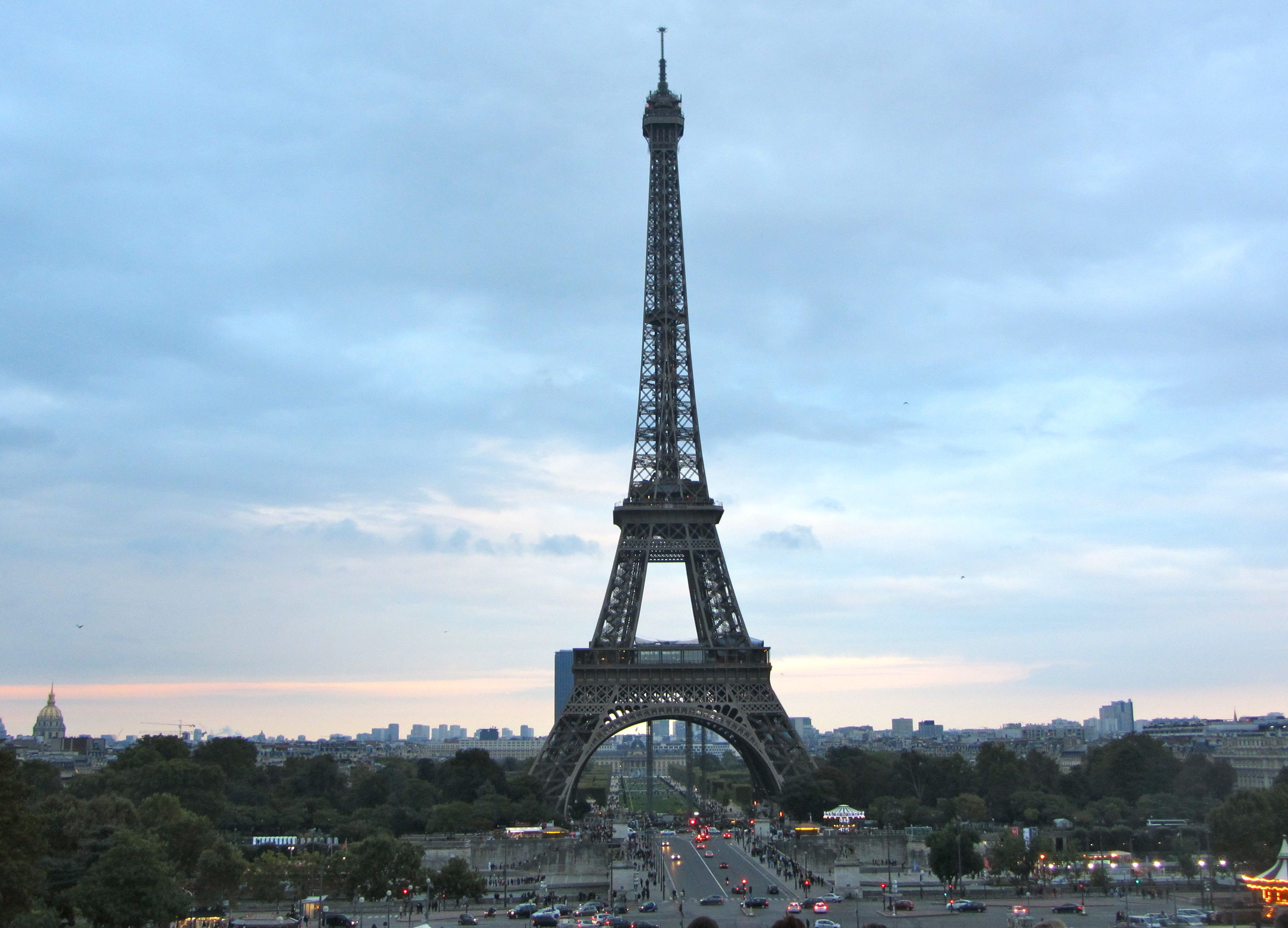 French Activity Model Of The Eiffel Tower