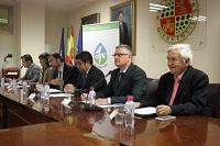 ponentes en la conferencia sobre incremento de rentabilidad del olivar