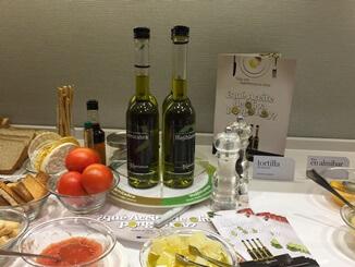 aceite de oliva y frutas
