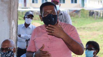 """""""Development will not pass you"""" Agri. Minister tells Leguan farmers"""