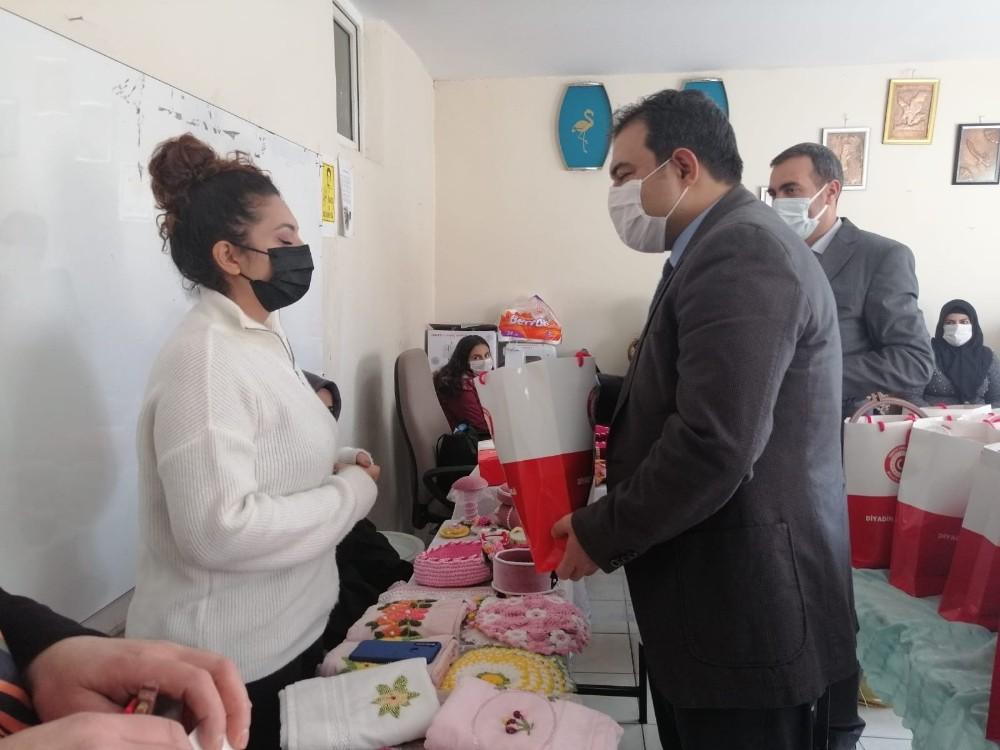 Diyadin Kaymakamı ve Belediye Başkanı Balcı, kursları ziyaret etti