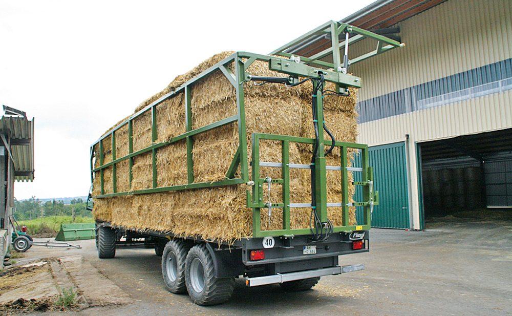 Fliegl balentransportwagen - enkel opgeklapt in plaats van dubbel gesjord - Agri Trader testrapport (6)