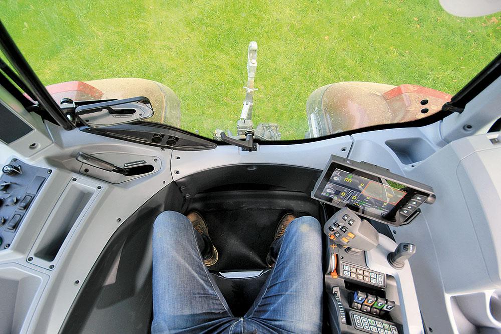 Valtra T-serie tractor - sterker en sneller - Agri Trader Test Jaarboek (15)