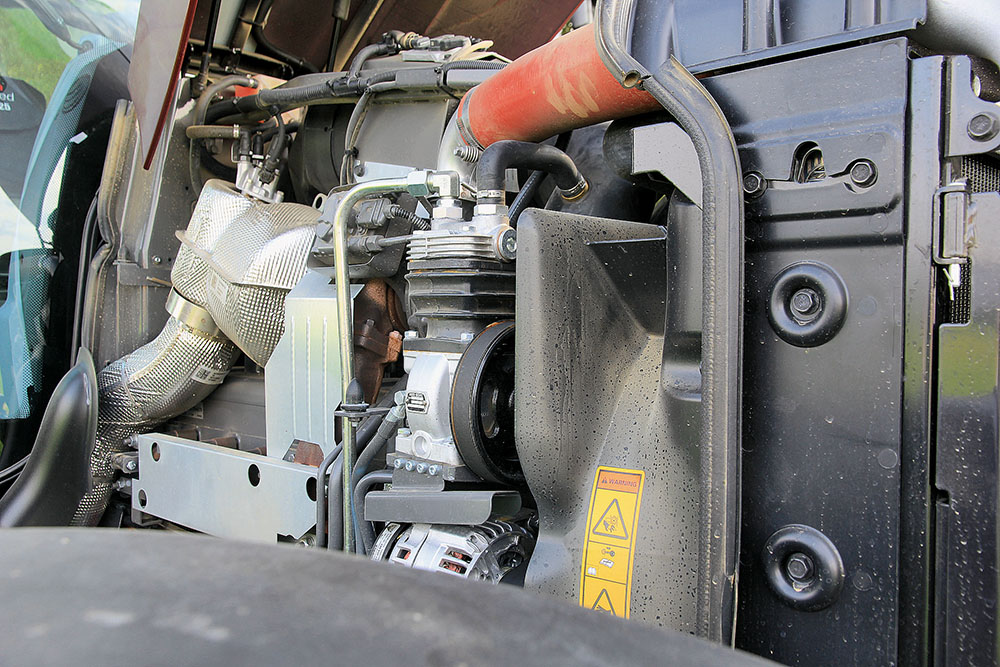 Valtra T-serie tractor - sterker en sneller - Agri Trader Test Jaarboek (3)