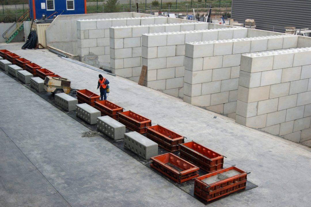 Hans-Scoenmaker-klant-van-Betonblock-Agri-Trader-2-