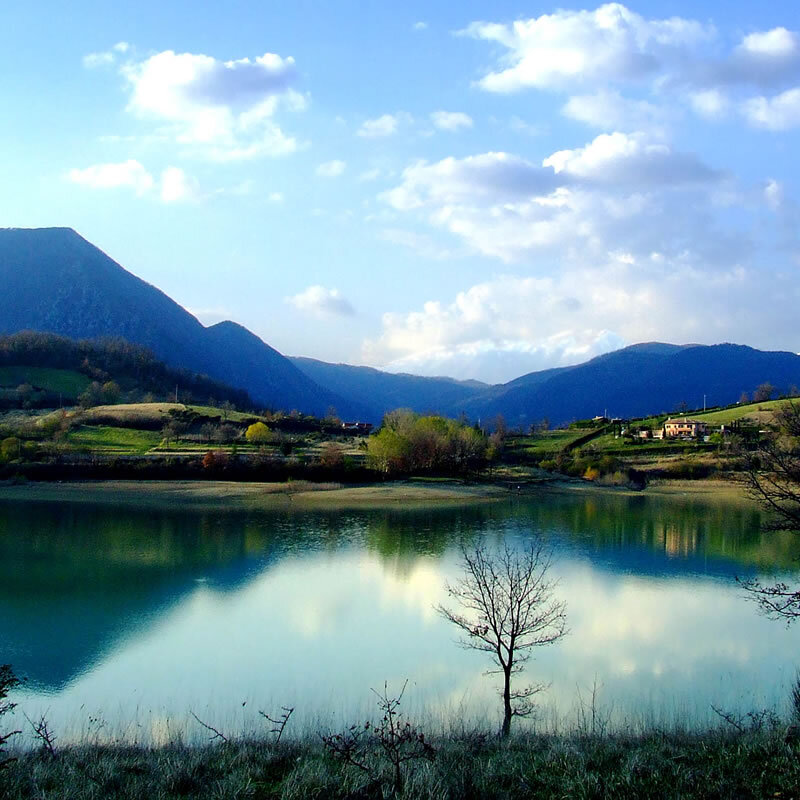 lago-castel-san-vincenzo