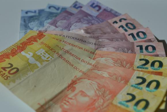 a a dinheiro