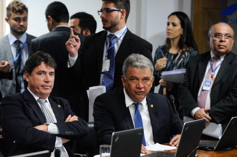 a _ petecao senado.jpg