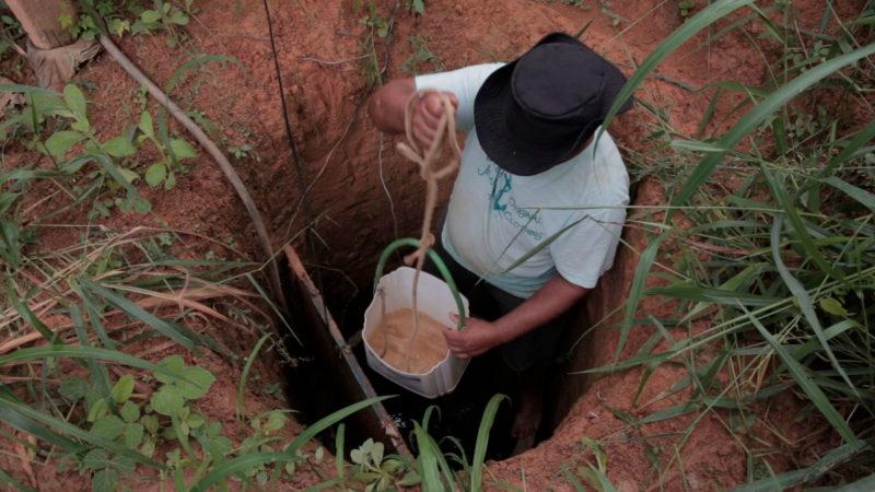 Rio Doce 5 Davi-Barrel-reclama-que-a-água-da-sua-cisterna