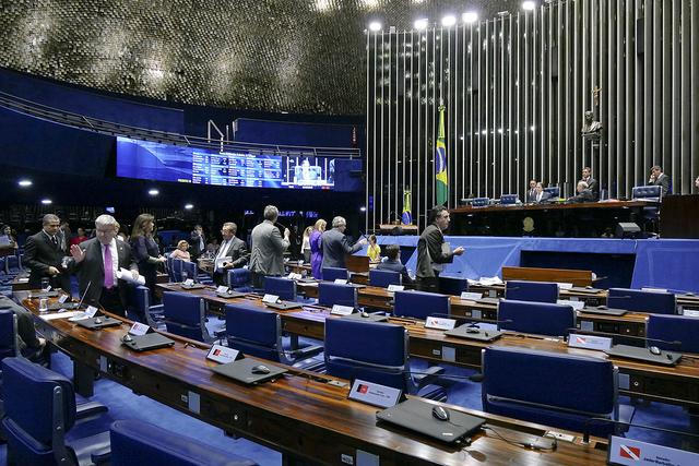 plenario senado 28