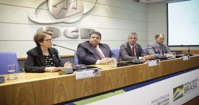 Recuperação da economia passa pelo cooperativismo, diz Evair de Melo