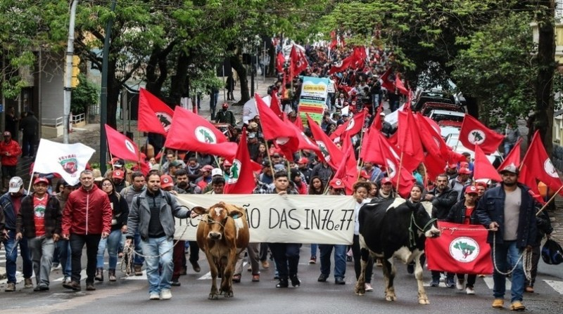 produtores de leite rs mst protesto poa