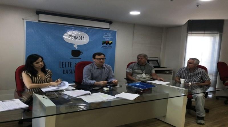Reunião Qualidade Leite MC crédito Letícia Breda