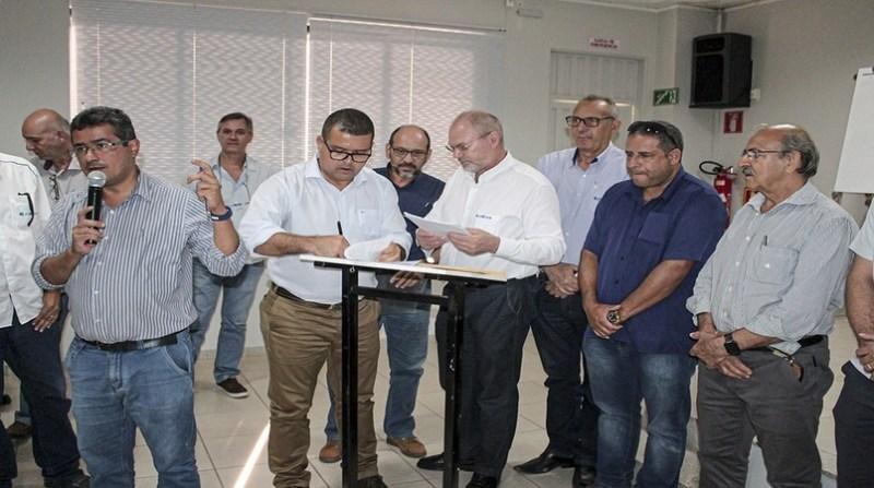 assinatura acordo barreiras recuperacao nascentes aiba divulgacao