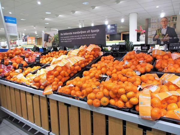 naranjas espanolas en supermercado de holanda