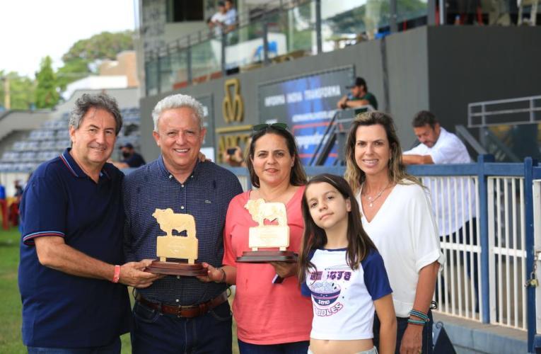 Casa Branca conquista prêmios de Melhor Criador e Melhor Expositor da ExpoBrahman 2021