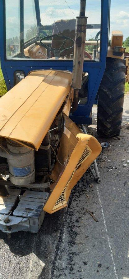 Zderzenie dwóch ciągników rolniczych