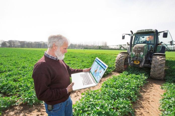 bayer, rolnik, rolnictwo, digital farming, FarmRise, vayego