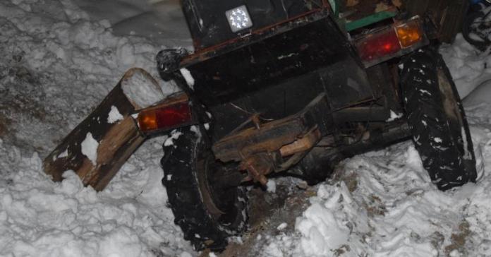 ciągnik, wypadek na wsi