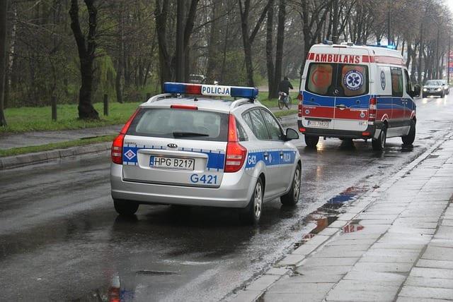 policja, wypadek na wsi, grzyby, ciągnik