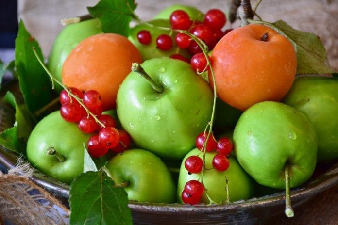Owoce, warzywa i mleko w szkole, Phil Hogan, Komisja Europejska,