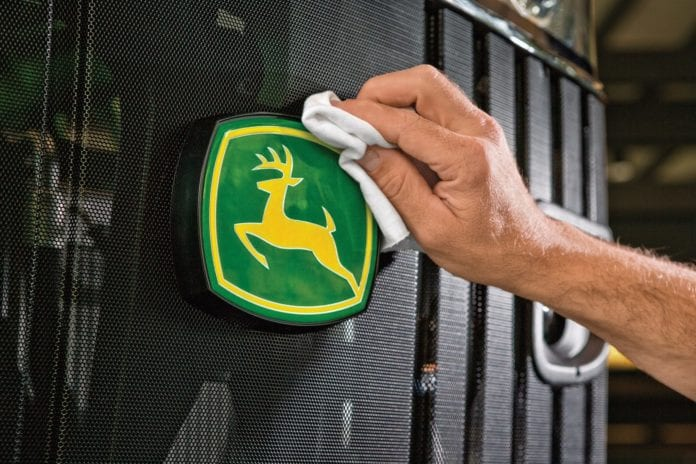 John Deere, ciągniki, Mara Downing, Best Global Brands