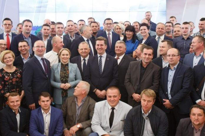 premier, Mateusz Morawiecki, rolnictwo, młodzi rolnicy, młody rolnik, nie ma silnego rolnictwa bez wsparcia państwa