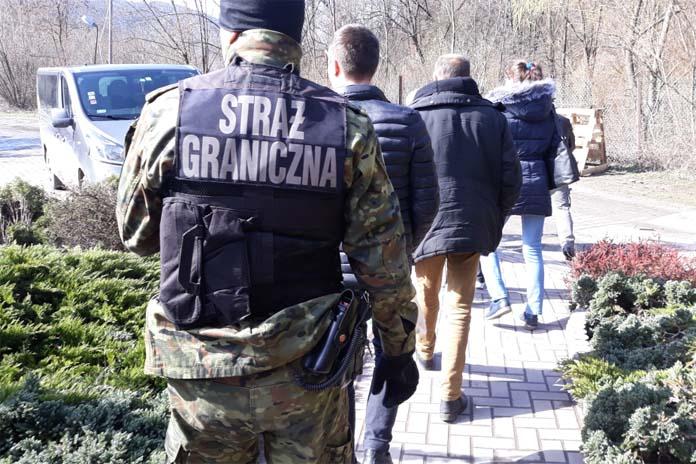rolnik, rolnictwo, produkcja żywności, Ukraińcy, nielegalna praca, Ukraińcy nielegalnie pracowali