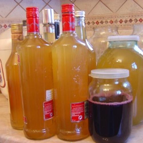 Apple eddike - Health Elixir derhjemme: Madlavningsopskrifter og applikationsmetoder
