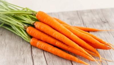 10 اغذية تقيك من مرض السرطان
