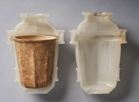 Vasos de café biodegradables creados con calabazas