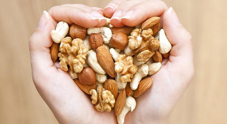 Comer un puñado de frutos secos al día ayuda a la memoria