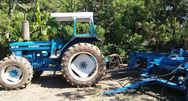 Vendo Tractor Ford