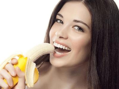 Las bananas son beneficiosas para tratar las hemorroides
