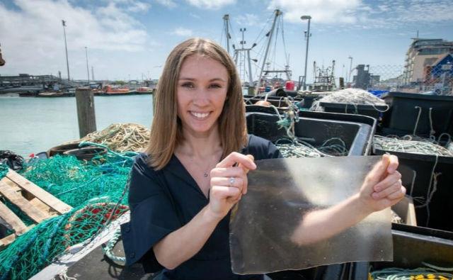 Bioplástico hecho con desechos de pescado